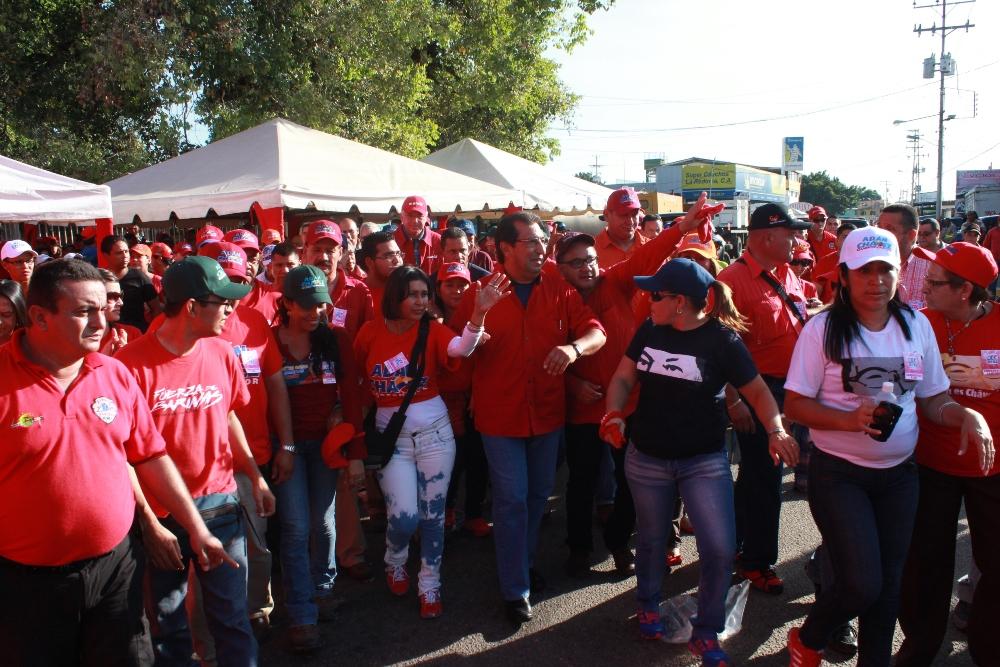 Gran cierre de campaña protagonizó poder popular junto a Adán Chávez